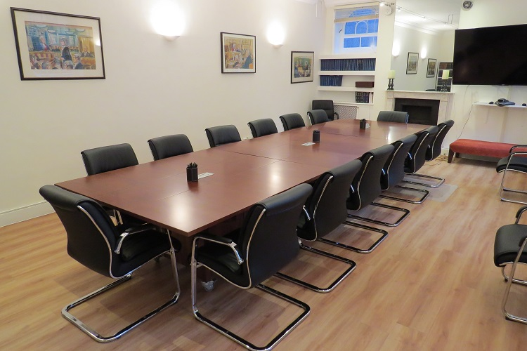 mahognay type veneer folding conference table